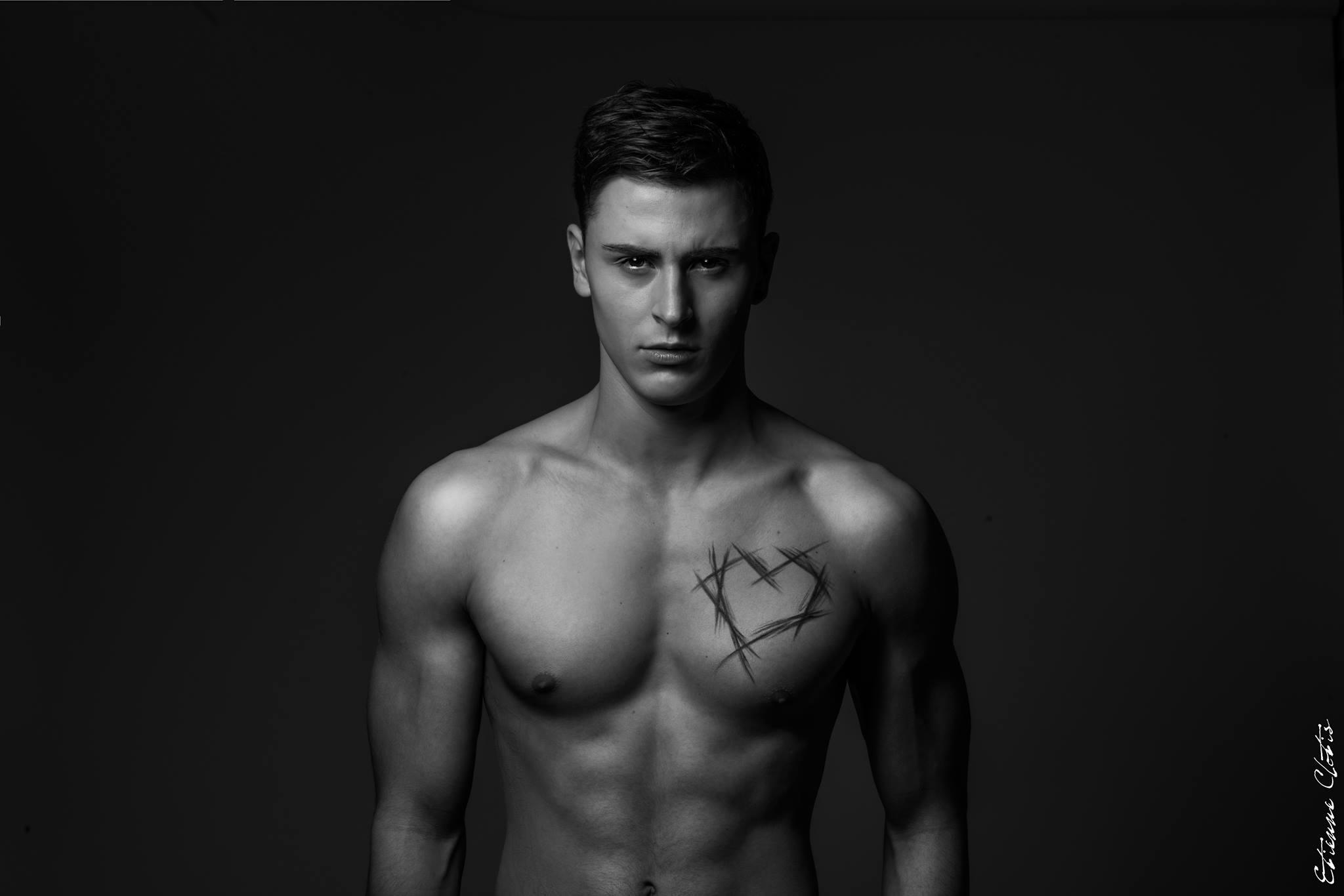 Escort sud foto maschi nudi gay