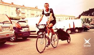 Alpes de Haute-Provence : un professeur d'histoire fait le tour de France en vélo