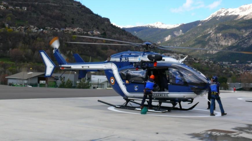 Hautes-Alpes: un homme fait une chute d'une quinzaine de mètres sur une cascade de glace