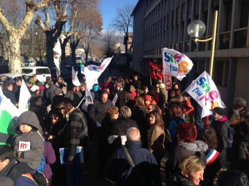 Hautes-Alpes : 80 manifestants pour réclamer des moyens aux élèves en difficulté