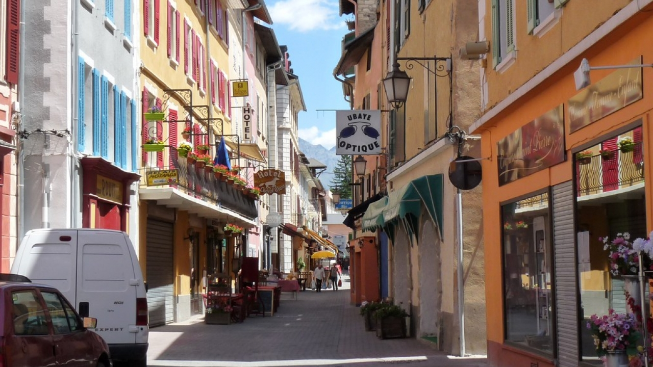 Alpes de haute provence barcelonnette il faut recr er - Office du tourisme montchavin les coches ...