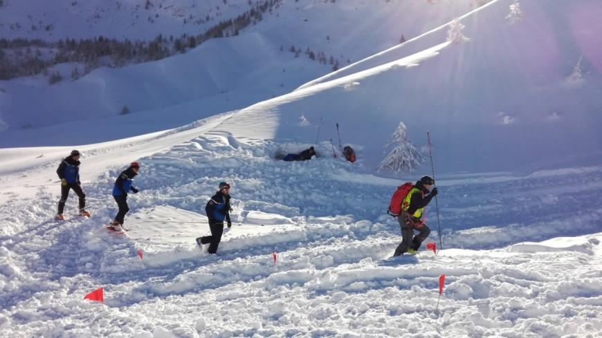 Hautes-Alpes : une avalanche traverse une piste verte à Montgenèvre