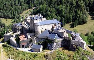 Hautes-Alpes : Fort Queyras est à vendre pour 3 millions  d'euros