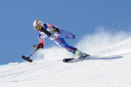 Hautes-Alpes : personnes valides et handicapées s'affrontent en slalom à Vars