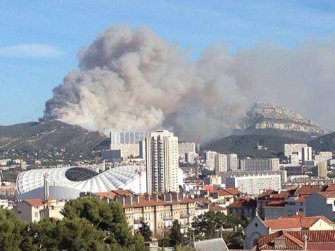 Alpes du Sud : 65 pompiers en renfort contre les flammes à Marseille