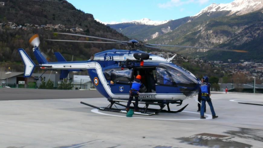 Alpes de Haute-Provence : une femme grièvement blessée après avoir reçu un bloc de neige sur la tête et le thorax