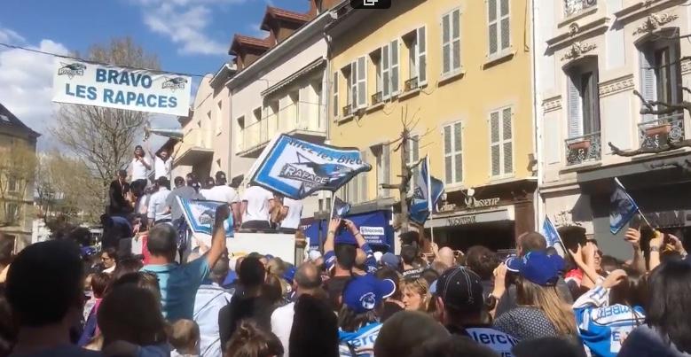 Hautes-Alpes : les Rapaces fêtent leur titre avec leurs supporters