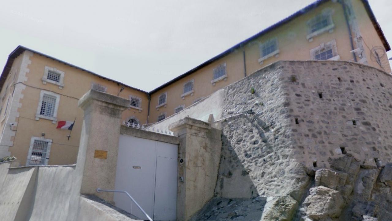 alpes de haute provence tentative d 39 vasion la prison de digne les bains. Black Bedroom Furniture Sets. Home Design Ideas