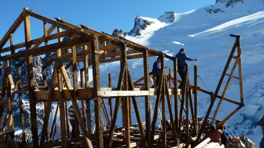 Hautes-Alpes : modernisation des refuges du massif des Écrins
