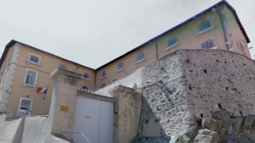 Alpes de Haute-Provence : de retour dans sa cellule, les gardiens découvrent dans ses sous-vêtements des stupéfiants