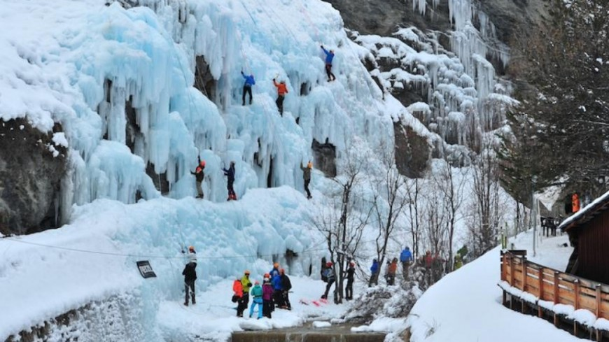 Hautes-Alpes : l'Ice Climbing Ecrins en mode coupe d'Europe