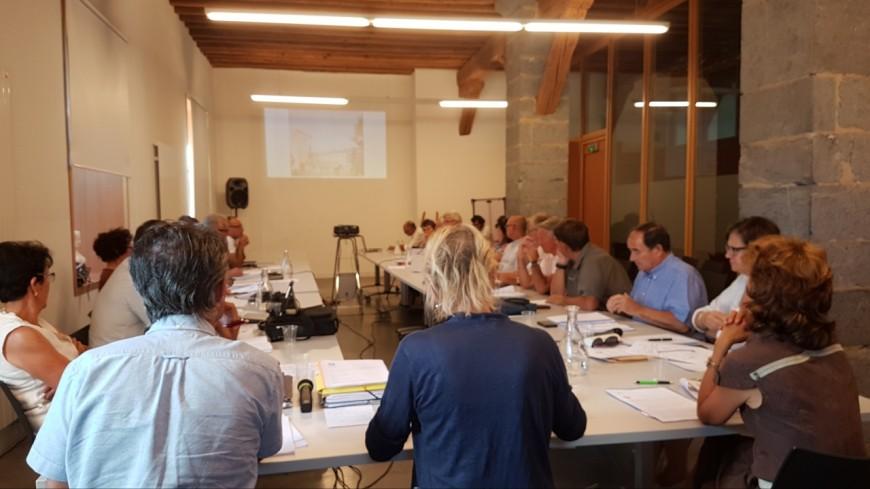 Hautes-Alpes : la restauration scolaire en baisse à Embrun