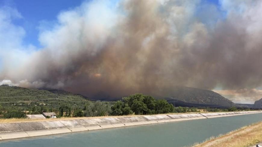 Violent feu de forêt dans le Vaucluse. Le sud-est en alerte