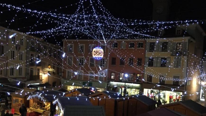 Hautes-Alpes : le Marché de Noël de Gap en nocturne