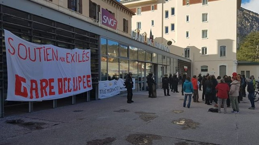 """Hautes-Alpes : """"Refuge Solidaire"""" demande l'ouverture d'un centre d'accueil dans le Briançonnais"""