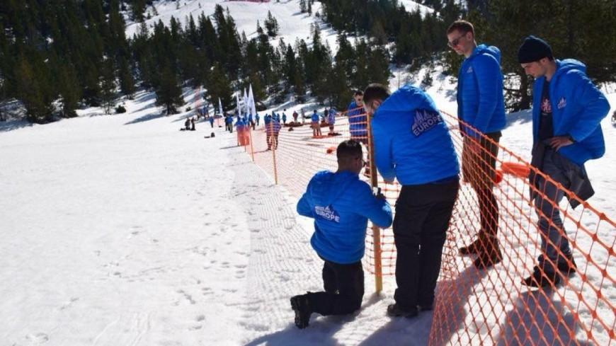 Hautes-Alpes : Génération Identitaire quitte le Col de l'Échelle
