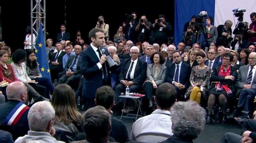 Alpes de Haute-Provence : E. Macron met le grand débat au vert à Gréoux-les-Bains