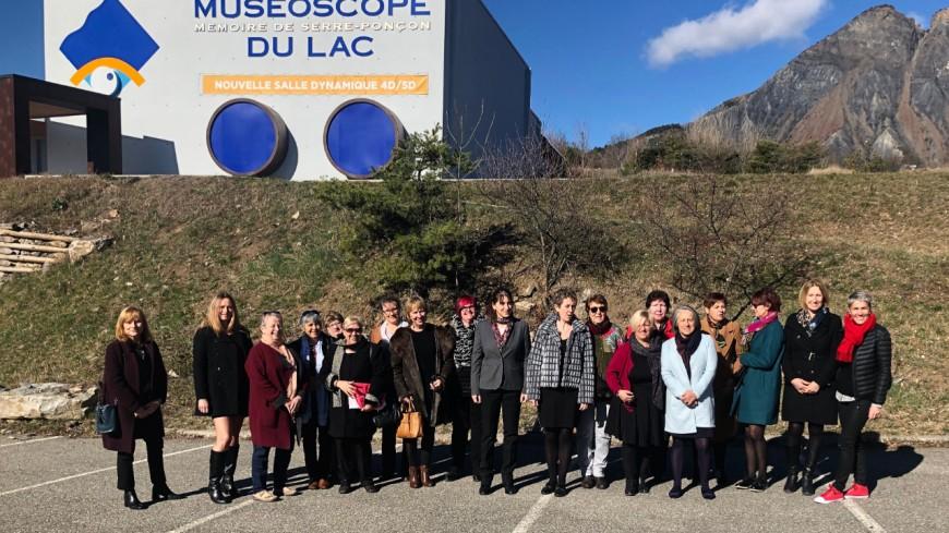 Hautes-Alpes : P. Morhet-Richaud entourée d'élues pour la journée internationale des Droits des Femmes