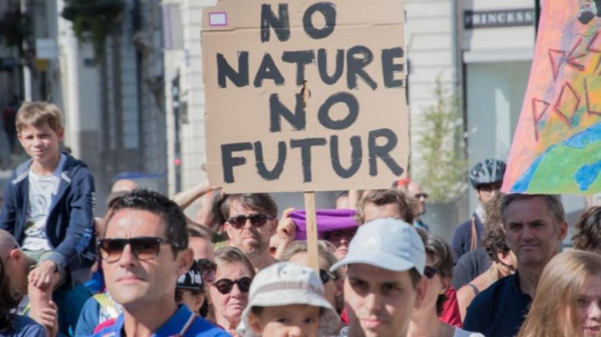 Alpes du Sud : les jeunes mobilisés pour lutter contre le réchauffement climatique