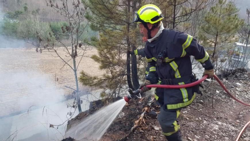 Hautes-Alpes : plusieurs feux de broussailles et écobuages mal maîtrisés ce samedi
