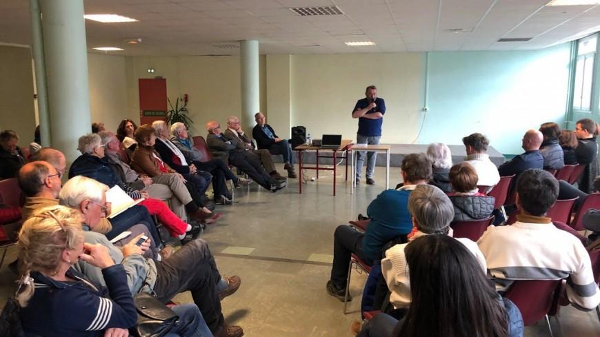 Hautes-Alpes : 50 personnes à l'appel de Marc Bourgeois pour un débat à Briançon