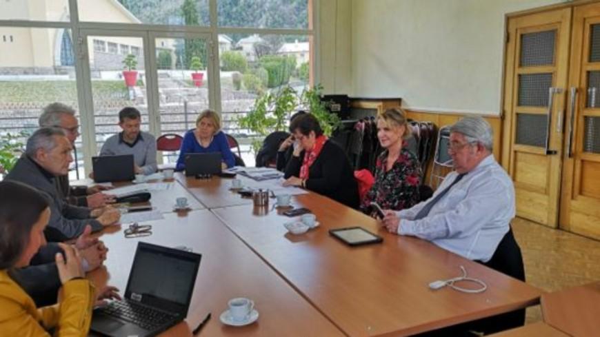 Alpes du Sud : Serre-Ponçon, trois élus de la Région font le déplacement