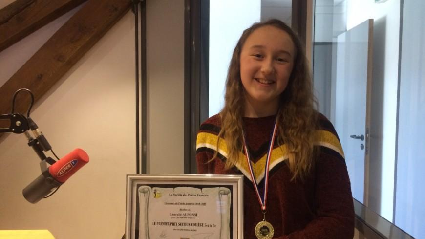 Hautes-Alpes : une jeune poète en herbe lauréate d'un concours national de poésie