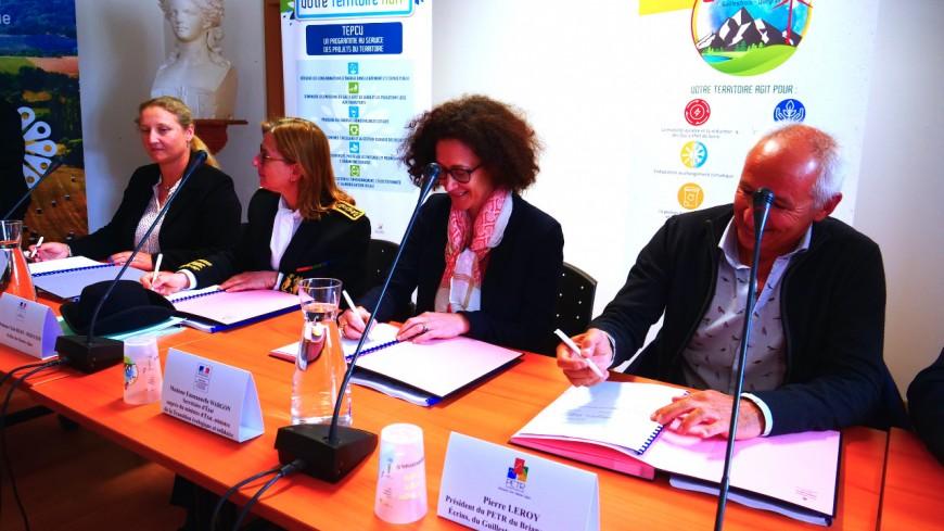Hautes-Alpes : signature du contrat de transition écologique et solidaire dans le Briançonnais