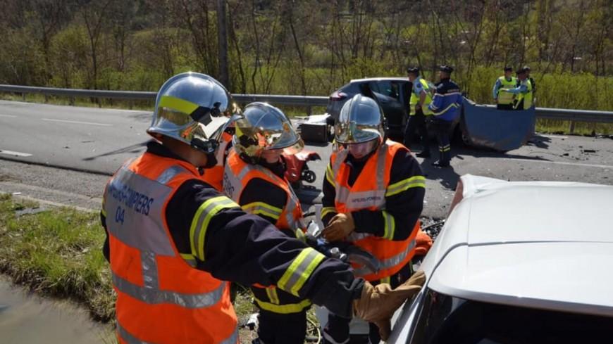 Alpes de Haute-Provence  : une collision frontale fait quatre blessés dont un grave