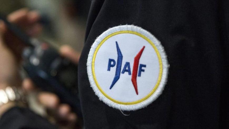Hautes-Alpes : menaces et injures taguées sur des véhicules de la PAF