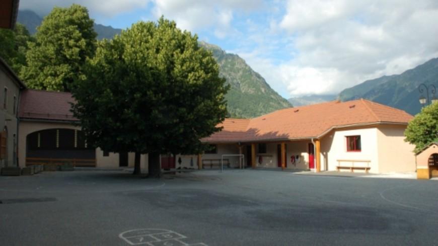 Hautes-Alpes : la classe de Saint-Firmin ne fermera pas