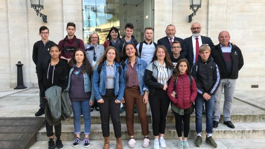 Hautes-Alpes : une délégation de jeunes sapeurs-pompiers du département en visite à l'Assemblée Nationale