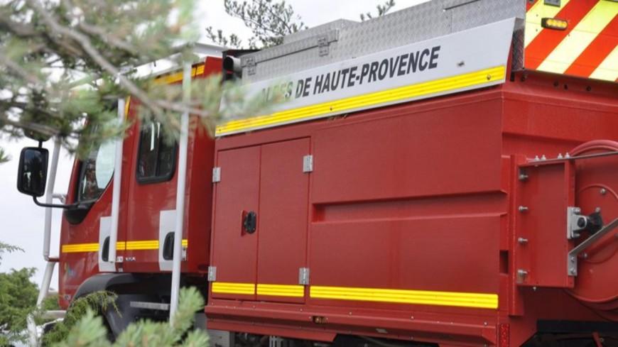 Alpes de Haute-Provence : un bâtiment agricole en flammes aux Mées