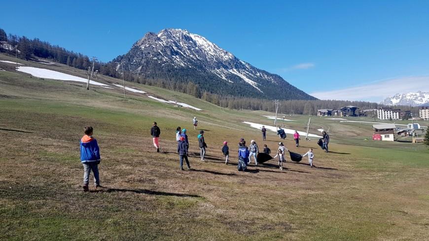 Hautes-Alpes : près de 2 tonnes de déchets ramassés sur les pistes de Montgenèvre