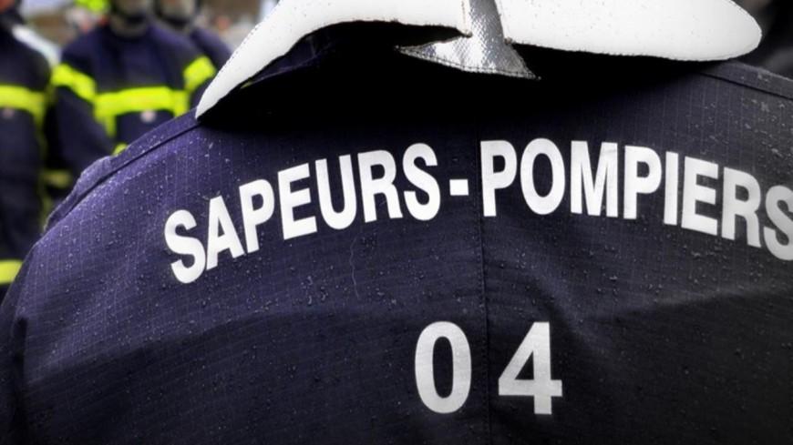 Alpes de Haute-Provence : un hangar d'une entreprise de BTP ravagé par un incendie à Annot