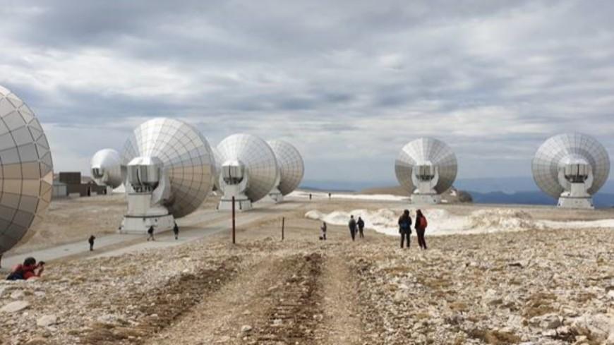 Hautes-Alpes : 11 journalistes spécialisés dans les sciences accueillis à l'observatoire NOEMA de l'IRAM
