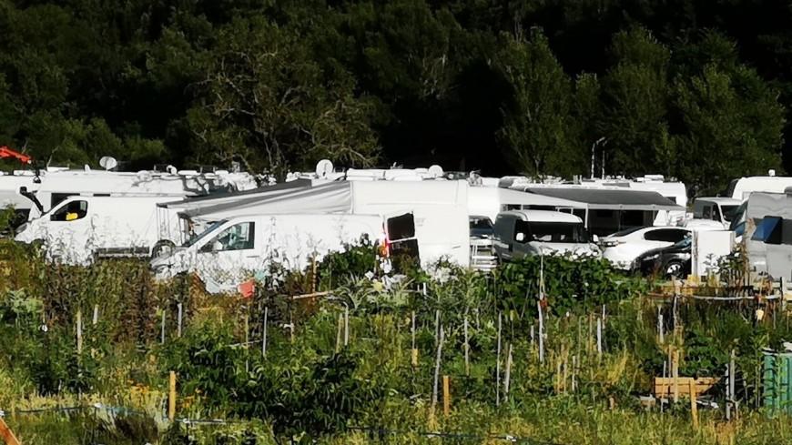 """Alpes de Haute-Provence : gens du voyage à Digne les Bains, l'opposition dénonce le """"laxisme"""" de la majorité"""