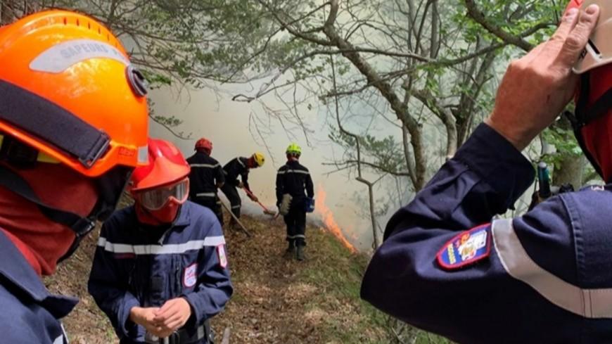 Hautes-Alpes : la surveillance continue sur le feu de la Roche-des-Arnauds