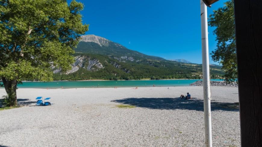 Alpes du Sud : niveau trop bas, certaines plages de Serre-Ponçon ferment