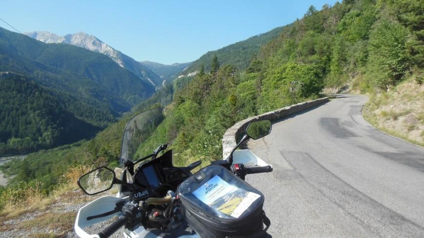 Alpes de Haute Provence : pour un beau weekend de voyages à moto