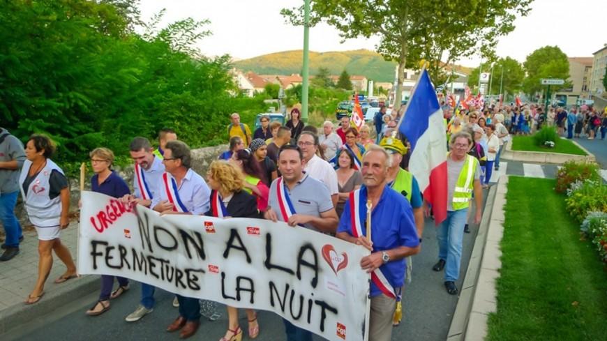Alpes de Haute-Provence : défilés d'accidentés et nuit blanche devant les urgences de Sisteron