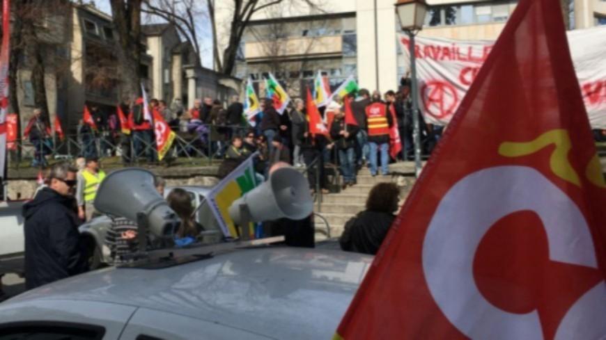 Alpes de Haute-Provence : une manifestation pour la défense des services publics
