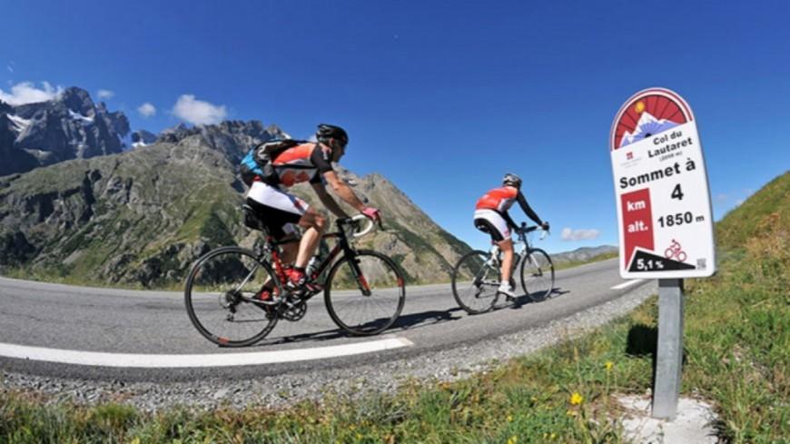 Hautes-Alpes : record de fréquentation pour l'opération Cols Réservés