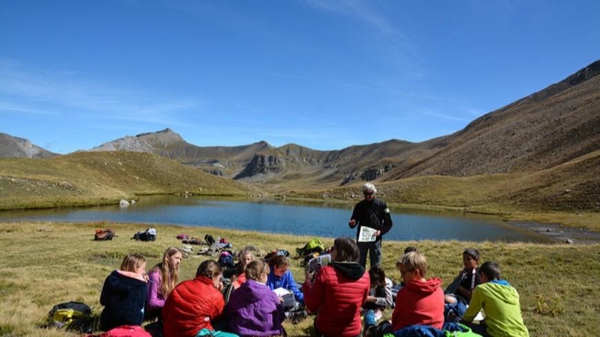 Alpes de Haute-Provence : 90 jeunes à la découverte de la faune de montagne dans le vallon du Restefond