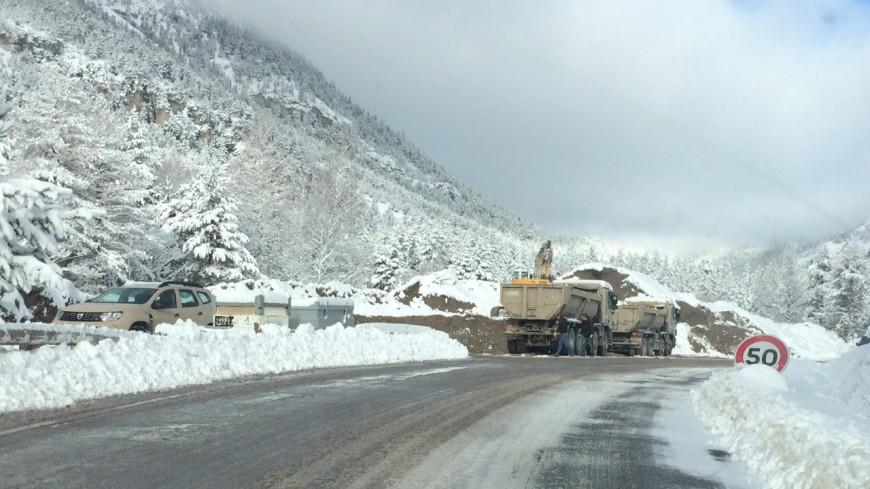 Hautes Alpes : les travaux de déblaiement terminés dans la semaine sur la RD 994G à Névache