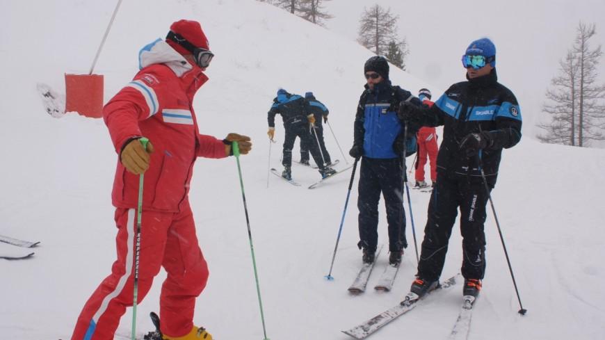Hautes-Alpes : Montgenèvre prête pour ses premiers skieurs !