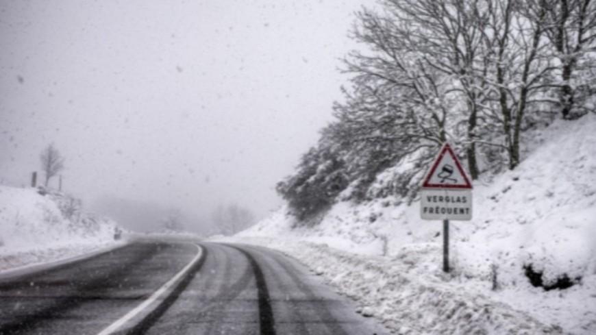 Hautes-Alpes : chutes de neige, la préfecture appelle à la prudence sur les routes
