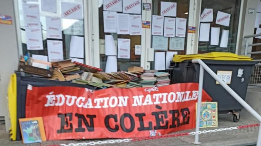 Alpes de Haute Provence : blocage de l'inspection académique de Digne les Bains