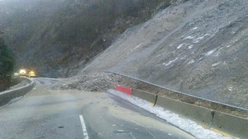 Alpes de Haute Provence : un éboulement coupe la route à Thorame-Haute