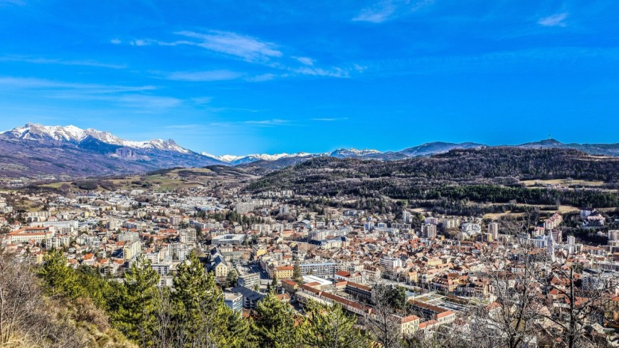 Hautes Alpes : Gap, une capitale douce avec les yeux de trois candidats qui les lui font